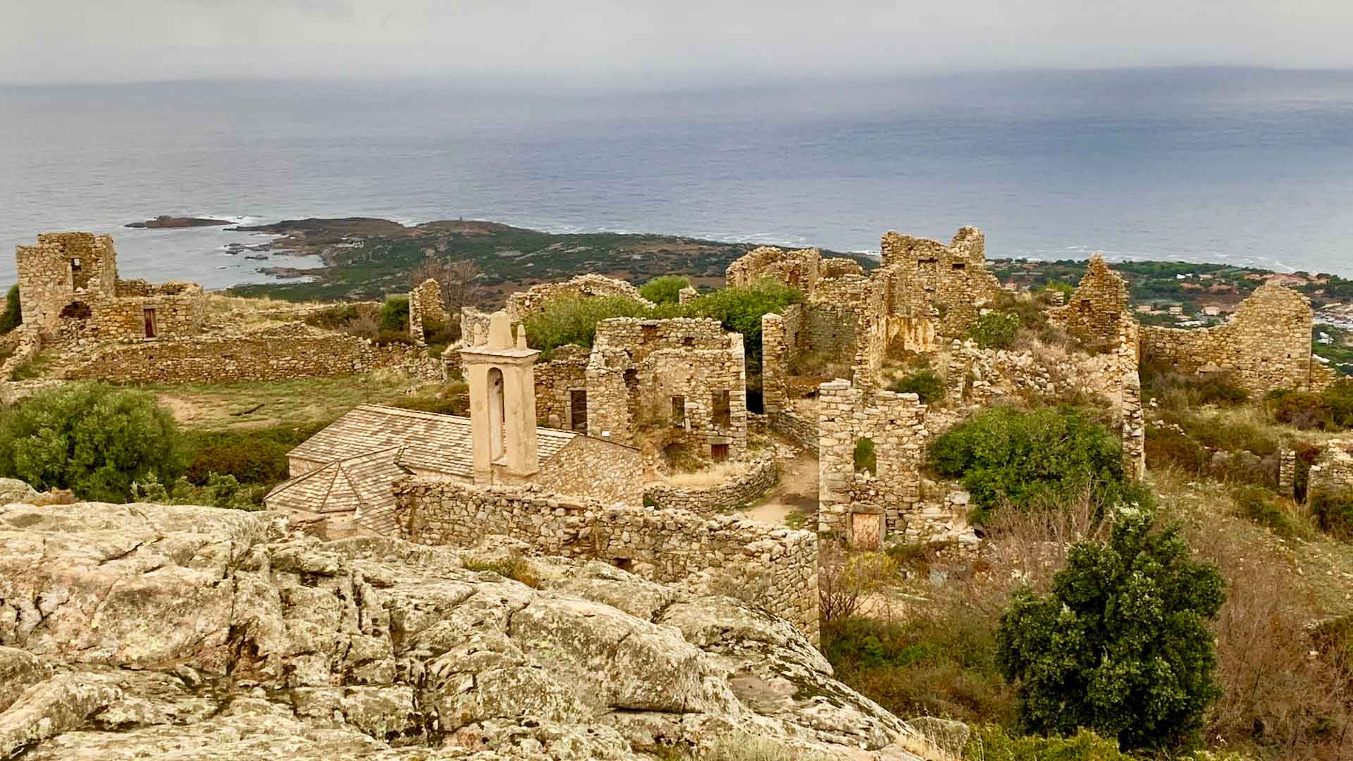 Occi village abandonné à Lumio