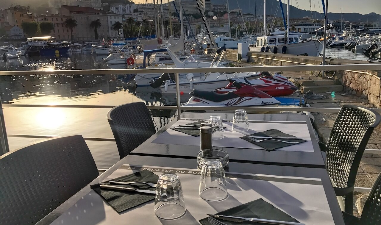 La Terrasse su Port à Ajaccio