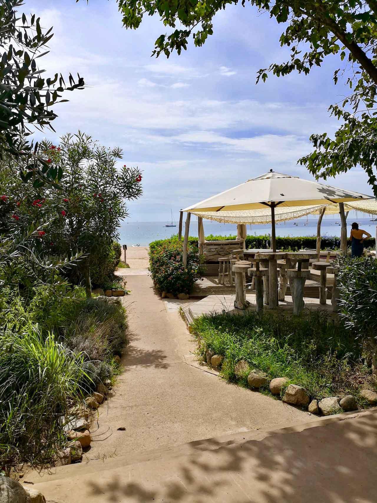cafe de la plage arone