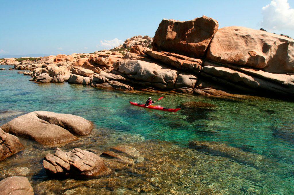 les criques cachées de l'île de beauté cors'aventure