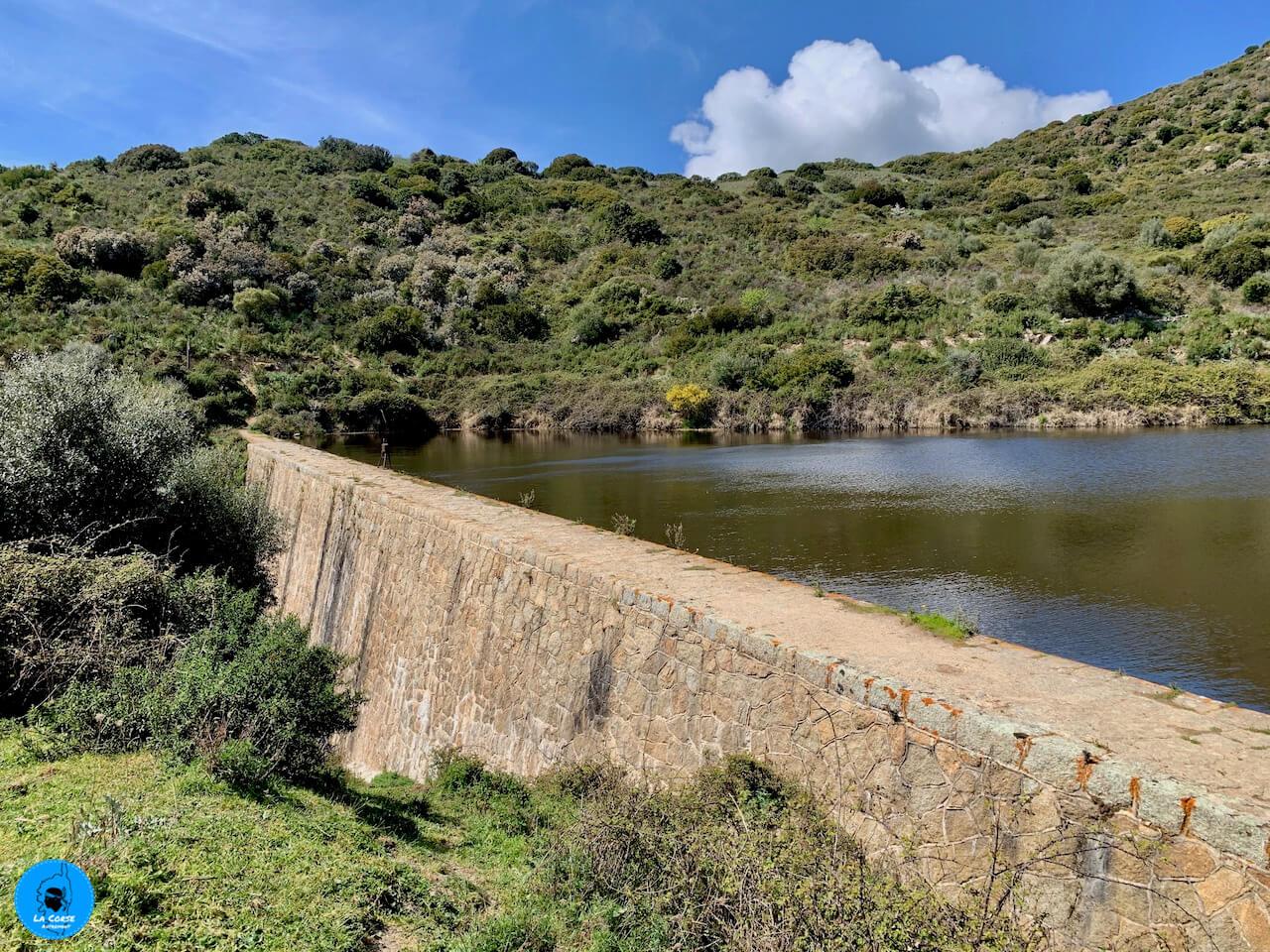 Randonnée vers le barrage de Lisa