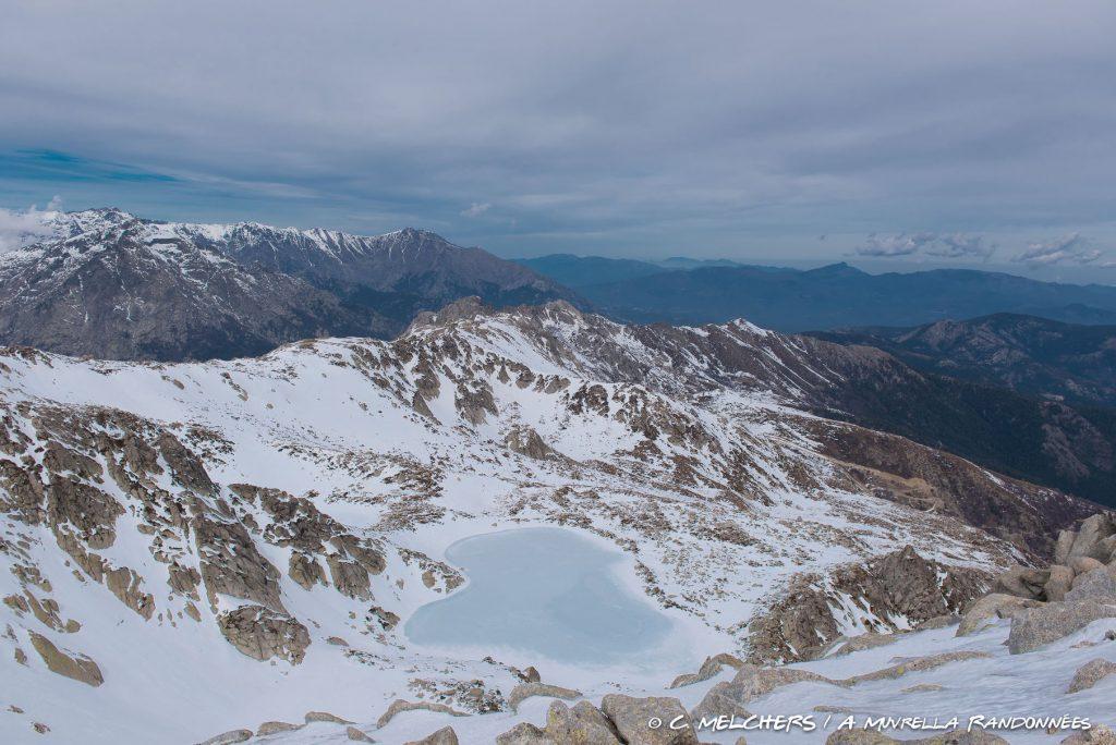 Monte Renoso et le Lac de Bastani en raquettes avec A Muvrella Randonnées